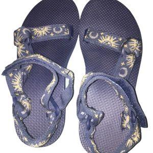 Teva Sun & Moon Original Universal Sandals Rare 6